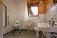 Holly Lodge Disabled Bathroom